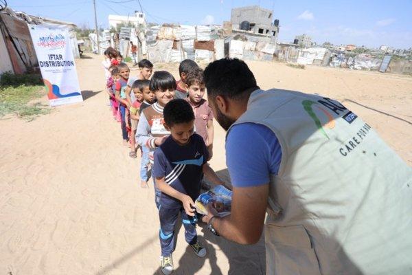 ACT Bagikan 500 Paket Berbuka Puasa untuk Palestina
