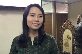 Livi Zheng Enggan Tanggapi Kontroversi Film The Santri