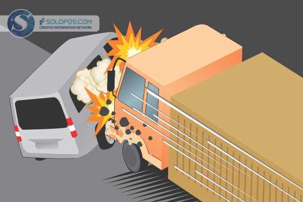 Bus Rela, Truk & Motor Terlibat Laka Karambol di Jalan Solo – Purwodadi