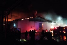 Kobaran Api Kebakaran Sritex Sukoharjo Terlihat dari Jarak 800 Meter