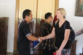 6 Guru Australia Belajar Mengajar di Jepara