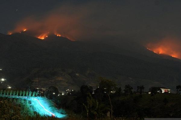 Hujan Turun, Kebakaran Lereng Merbabu Padam Total