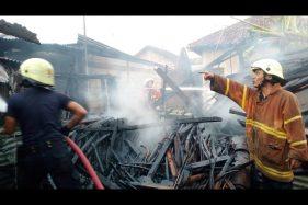 Ditinggal Mandi, Api Mengamuk Lalap Dapur di Sragen