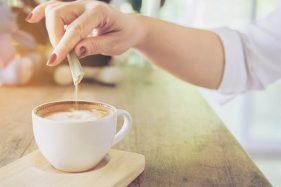 Konsumsi Gula Berlebihan Tingkatkan Risiko Diabetes, Mitos atau Fakta?