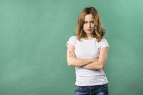 Pria Wajib Baca! Ini Cara Mengatasi Istri yang Mudah Marah Saat PMS