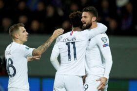 Giroud, striker Prancis, merayakan gol ke gawang Islandia, Sabtu (12/10/2019). (Reuters)