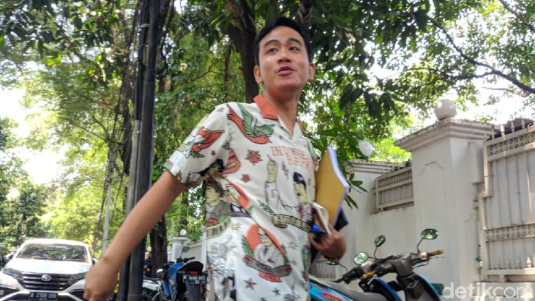 Nonton Persis Solo Vs Persib Bandung, Gibran Membaur dengan Pasoepati?