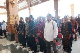 Para calon kepala desa di 57 desa se-Madiun menyampaikan pernyataan sikap siap menang dan siap kalah, Jumat (11/10/2019). (Istimewa-Pemkab Madiun)