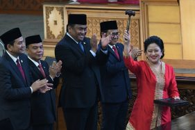 Puan Maharani usai dilantik sebagai Ketua DPR. (Antara-M. Risyal Hidayat)