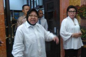 Wali Kota Surabaya, Tri Rismaharini dan Wakil Ketua KPK, Basaria Panjaitan. (Detik.com)