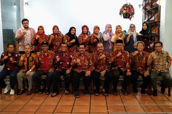 Alumni Unnes Rela Politis demi Kawal Jokowi-Amin