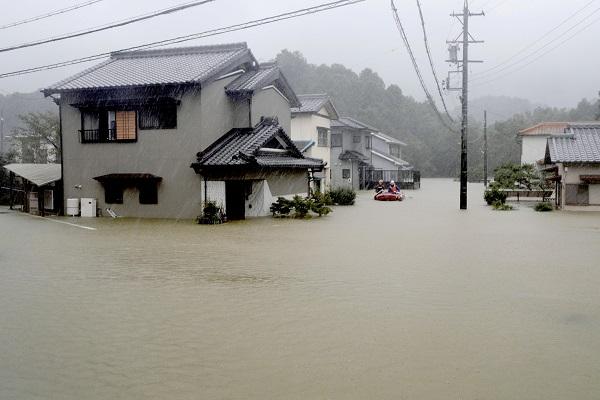 Jepang Bersiap Diterjang Badai Hagibis