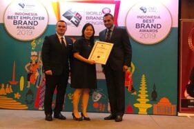 Penyerahan penghargaan Indonesia Best Brand Awards 2019 kepada First Media di Sheraton Grand Jakarta Gandaria City Hotel, Kamis (24/10/2019). (Istimewa)