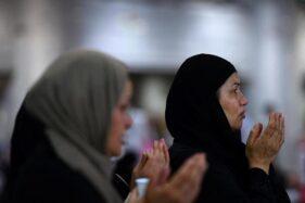 Ilustrasi orang berdoa. (Reuters)