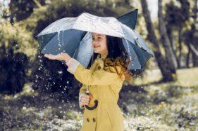 Ilustrasi hujan. (Freepik)