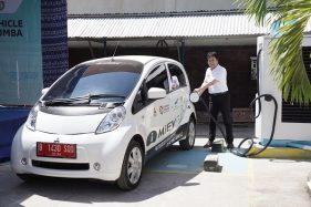 Mitsubishi Dukung Studi Energi Baru dan Terbarukan Lewat i-MiEV