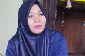 Nur Hasanah dari AMURT Indonesia, penerbit Buku Caping Kita dan Semua Punya Rumah. (Antara- Achmad Zaenal M.)