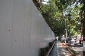 Kantor PTPN X di tepi Jl. Pemuda, Kelurahan Klaten, Kecamatan Klaten Tengah, dipagari, Jumat (18/10/2019). (Solopos/Taufiq Sidik Prakoso)
