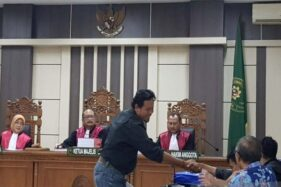 Pengacara Nugroho Budiantoro seusai diperiksa sebagai saksi dalam sidang di Pengadilan Tipikor Semarang, Jawa Tengah, Selasa (15/10/2019). (Antara-I.C. Senjaya)