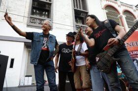 Rocker Papan Atas Tanah Air Beri Ganjar Les Musik di Kota Lama Semarang