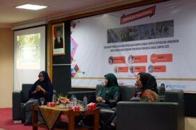 Pembicara di seminar pengelolaan sampah Rechta UMS Solo. (Istimewa)