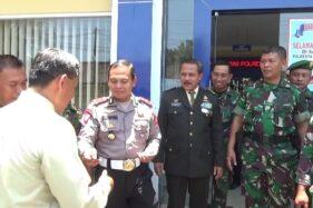 Polresta Solo Hadiahi Anggota TNI 100 SIM Gratis