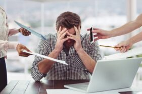 Ilustrasi orang stres. (Freepik)