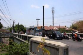 4 Lampu Hias Jembatan Komplang Solo Raib, Dicuri?