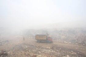 Begini Strategi Damkar Mengatasi Kebakaran di TPA Putri Cempo Solo