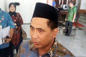Wakil Gubernur Jawa Tengah Taj Yasin memberi keterangan pers seusai seusai memimpin Rapat Koordinasi Penanggulangan Kemiskinan di Pendapa Sipanji, Purwokerto, Kabupaten Banyumas, Jawa Tengah, Jumat (11/10/2019). (Antara-Sumarwoto)