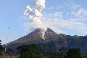 Kondisi Gunung Merapi saat mengeluarkan awan panas, Sabtu (9/11/2019). (Istimewa)