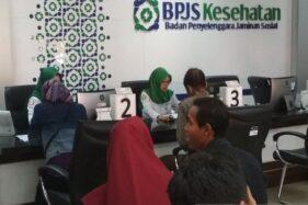Ilustrasi pelayanan di Kantor Badan Penyelenggara Jaminan Sosial (BPJS) Kesehatan (Antara/Akhmad Nazaruddin Lathif)