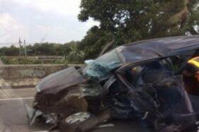 Kecelakaan Tunggal di Jalan Tol Solo-Ngawi, Fortuner Tabrak Pohon