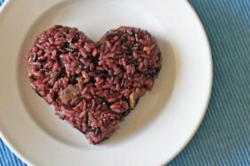 Ilustrasi nasi merah. (Pictagram)