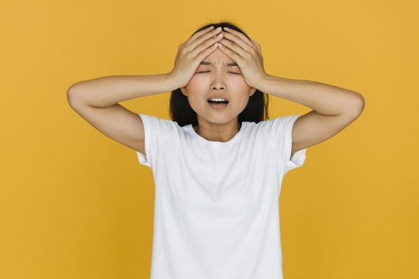 5 Cara Sederhana Usir Sakit Kepala Tanpa Obat