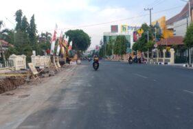 Kondisi Jl. Pahlawan atau di depan Balai Kota Madiun, Rabu (13/11/2019). (Abdul Jalil/Madiunpos.com)