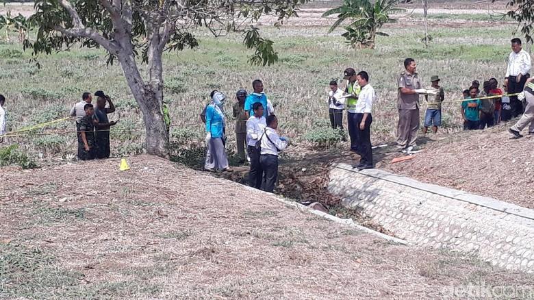 Sesosok Mayat Perempuan Ditemukan Di Saluran Air di Bojonegoro, Diduga Korban Pembunuhan
