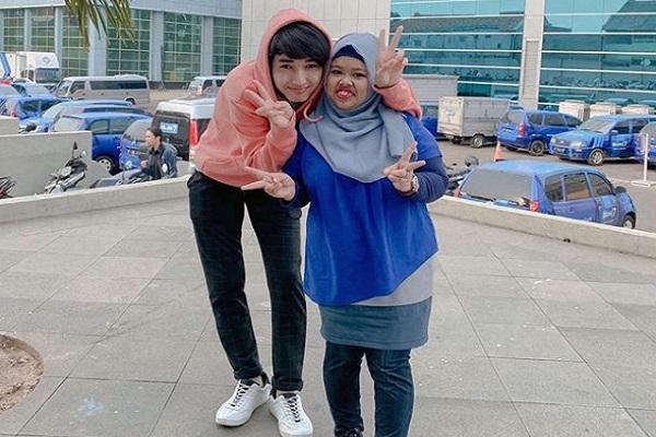 Lagi Viral! Cinta Pesinetron Rio Ramadhan dan Vlogger Kekeyi Bersemi di Whatsapp