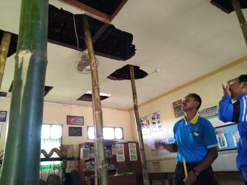 20 Murid SDN di Ponorogo Dipindah karena Atap Ruangannya Nyaris Ambrol