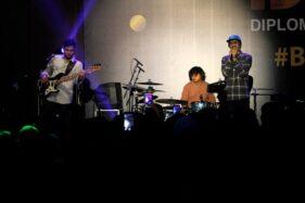 Sheila On 7 saat tampil di DSCX di De Tjolomadoe, Karanganyar, Minggu (17/11/2019). (Solopos/M. Ferri Setiawan)