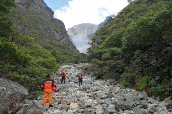 Tebing Gunung Lawu. (Istimewa/Tim SAR Karanganyar)
