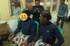 SW (kiri diberi stiker), abdi dalem Keraton Yogyakarta yang diduga melakukan pelecehan seksual. (Istimewa/Dok. FKAAU)
