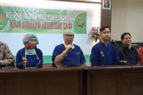 Konferensi pers kelahiran anak kedua Gibran Rakabuming Raka di RS PKU Muhammadiyah, Solo. (Detik)