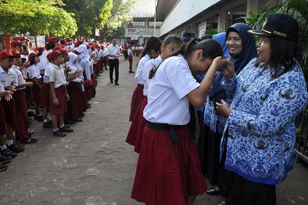 Hari Guru: Ucapan Terima Kasih kepada Guru Banjiri Medsos