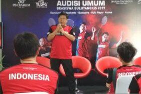 Program Director Bakti Olahraga Djarum Foundation Yoppy Rosimin tampil dalam konferensi pers audisi umum beasiswa bulu tangkis di PB Djarum Kudus, Jawa Tengah, Sabtu (16/112019). (Antara-Akhmad Nazaruddin Lathif)