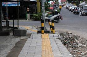 Trotoar perempatan Ngemplak, Banjarsari, Solo. (Solopos/Nicolous Irawan)