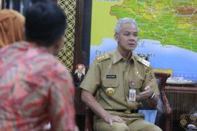 Gubernur Jawa Tengah Ganjar Pranowo menerima tim Badan Perencanaan Pembangunan Nasional. (Antara-Humas Pemprov Jateng)