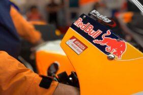 Stiker penghomratan untuk Afridza dari tim Repsol Honda. (Twitter-@HRC_MotoGP)