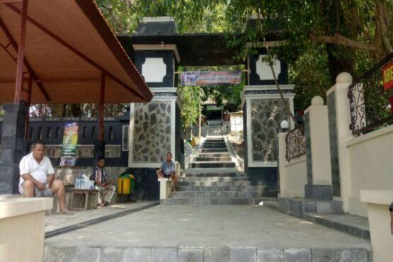 Pemandangan salah satu sudut kompleks Gunung Kemukus di Desa Pendem, Kecamatan Sumberlawang, Sragen. (Solopos/Moh. Khodiq Duhri) the new kemukus sragen pangeran samodro
