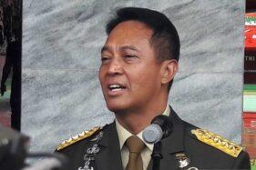 Kepala Staf Angkatan Darat (KSAD) Jenderal TNI Andika Perkasa memberikan keterangan pers seusai upacara Wisuda Purnawira Pati TNI Angkatan Darat di Akademi Militer Magelang, Senin (11/11/2019). (Antara-Heru Suyitno)